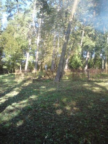 9 i 16.10.2010 - Porządkowanie cmentarzy